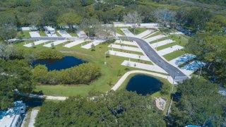 Bayou Grande, Spacious Back-In Sites