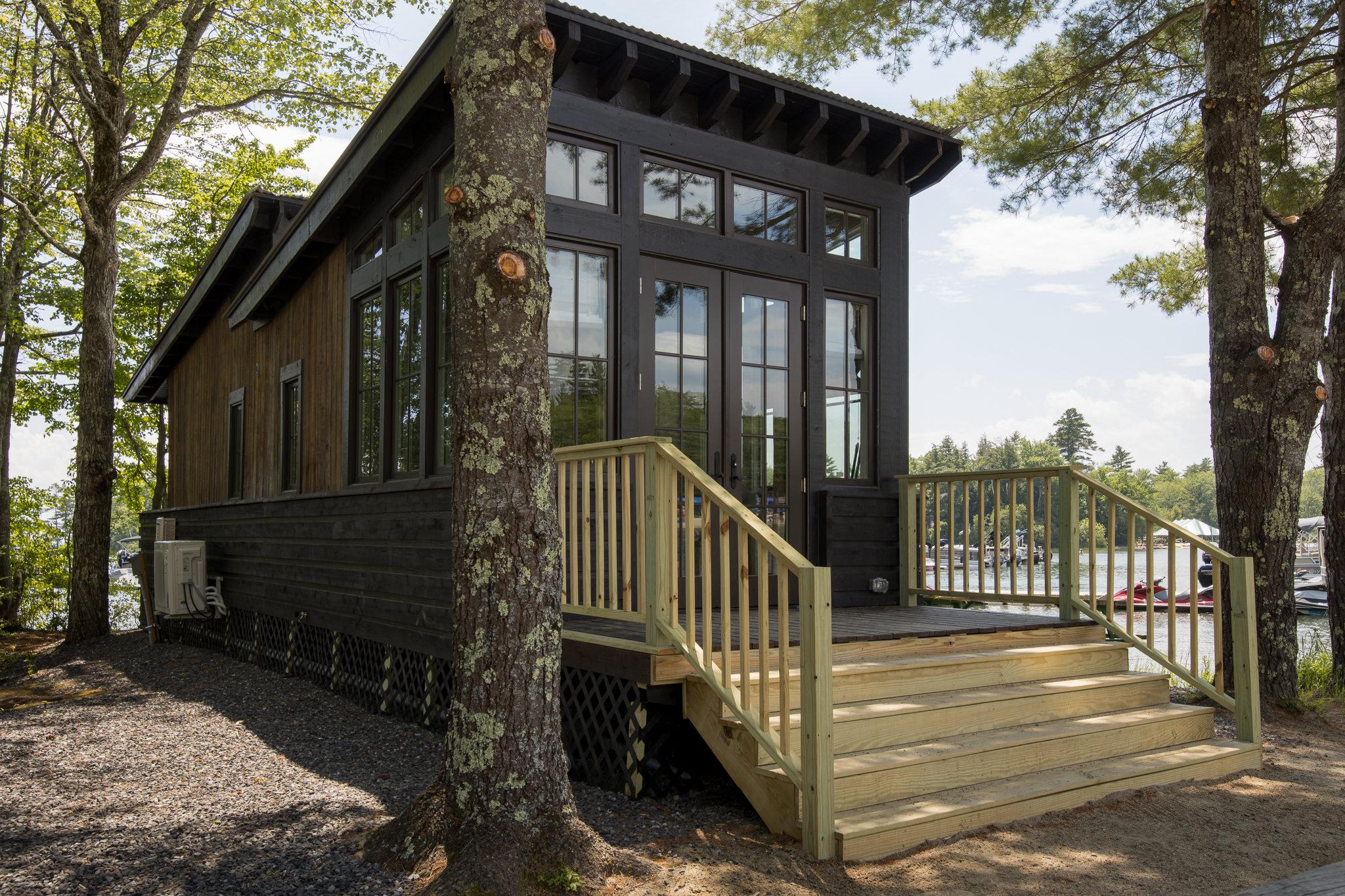 Designer Cottage - The Saltbox