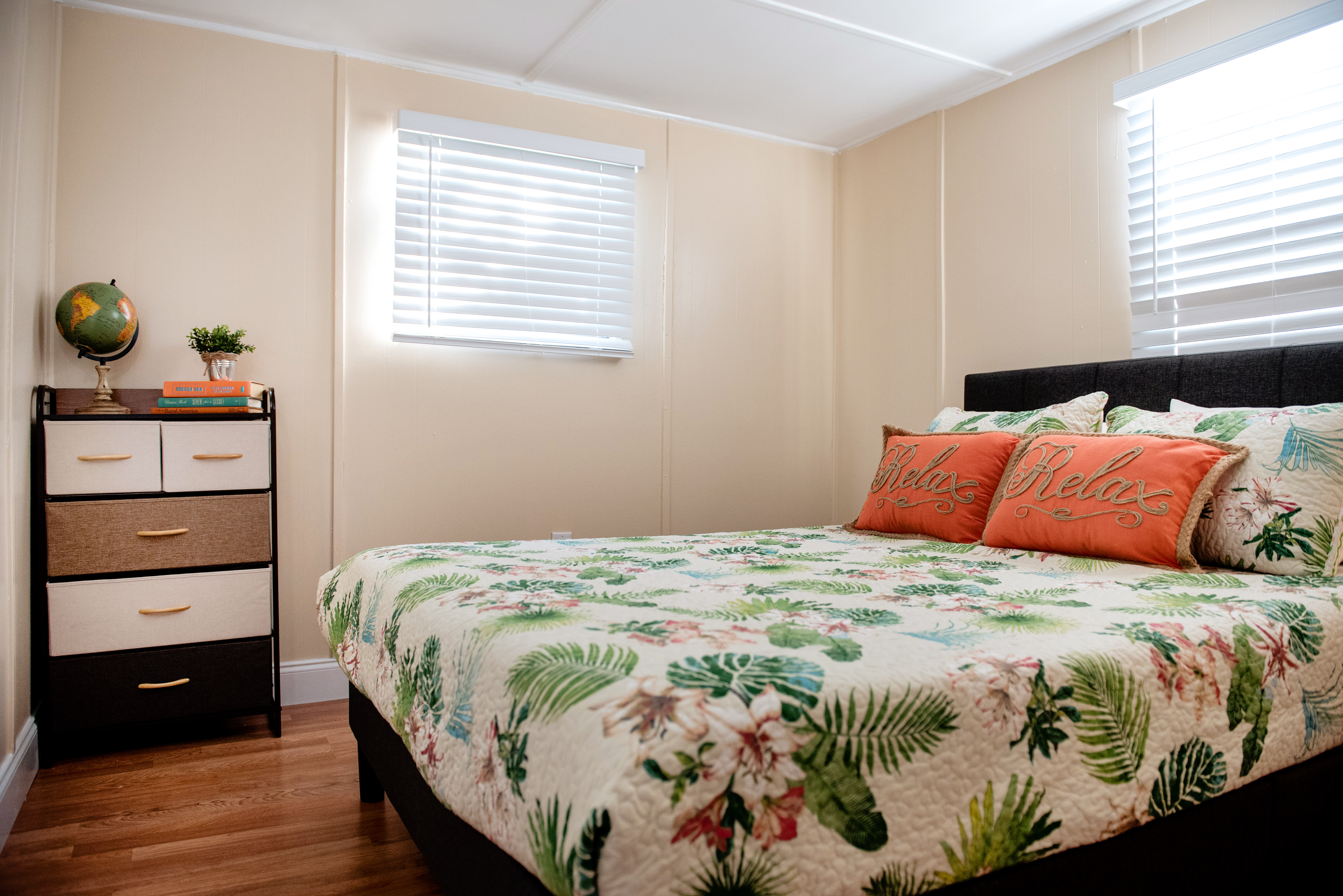 The queen size bedroom at the Mangrove Snapper unit.