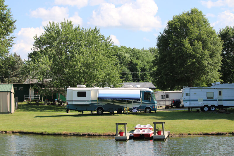 Dock your motorhome by the lake