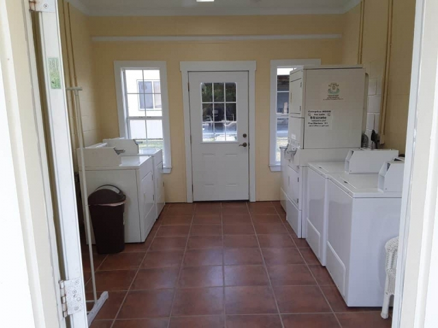 Bay Hideaway - Inside the Laundry Facility