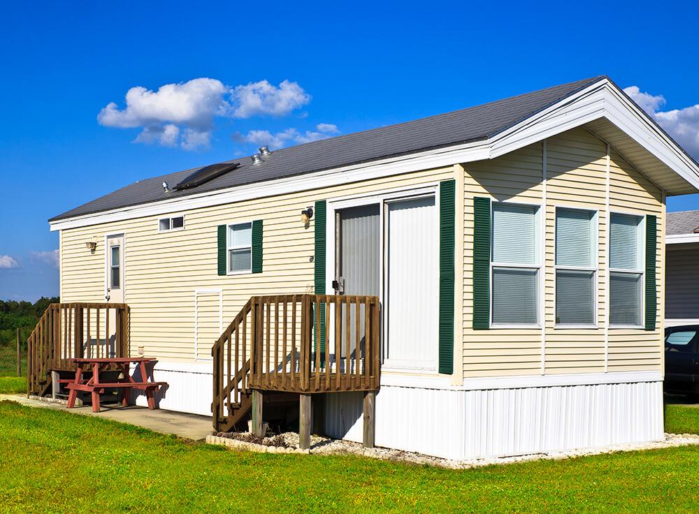 Island Oaks RV Resort - park model