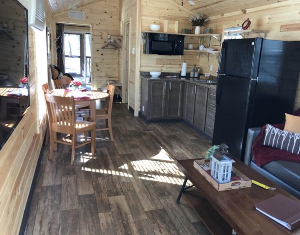 Point South-Park Model Cabin Inside