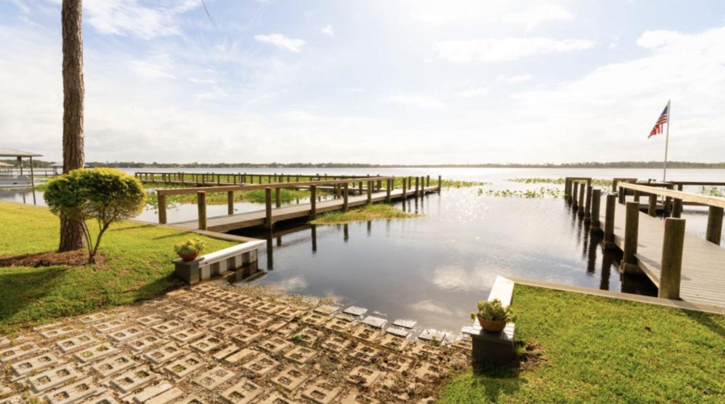 Lake Josephine RV Resort Waterfront