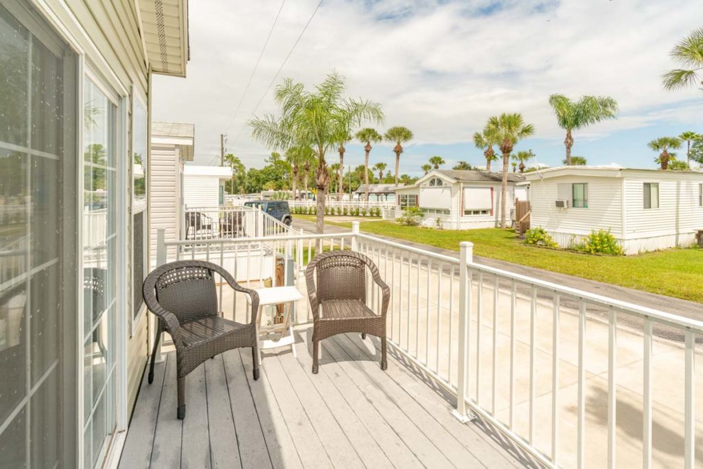 Shell Creek-Premium Cottage porch