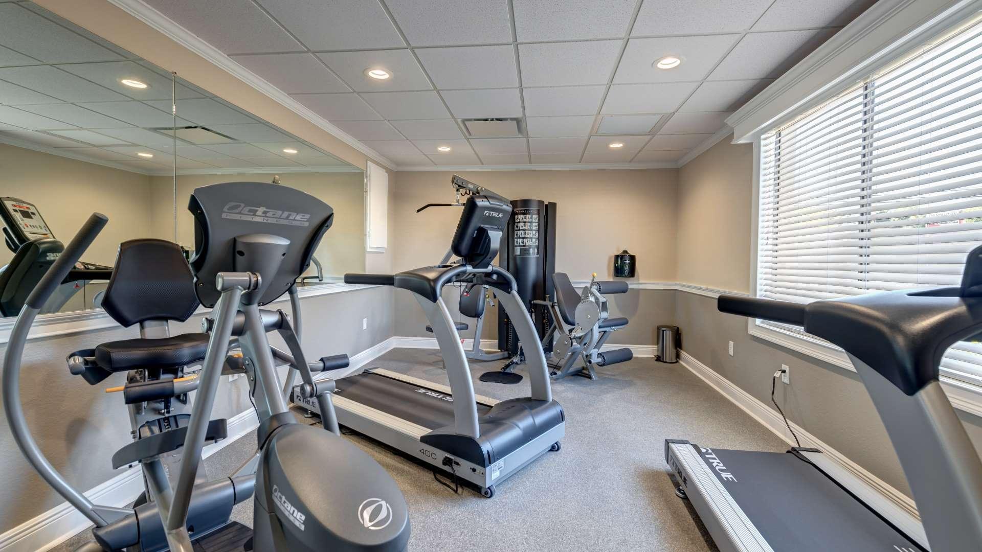 Vista del Lago-Fitness Center