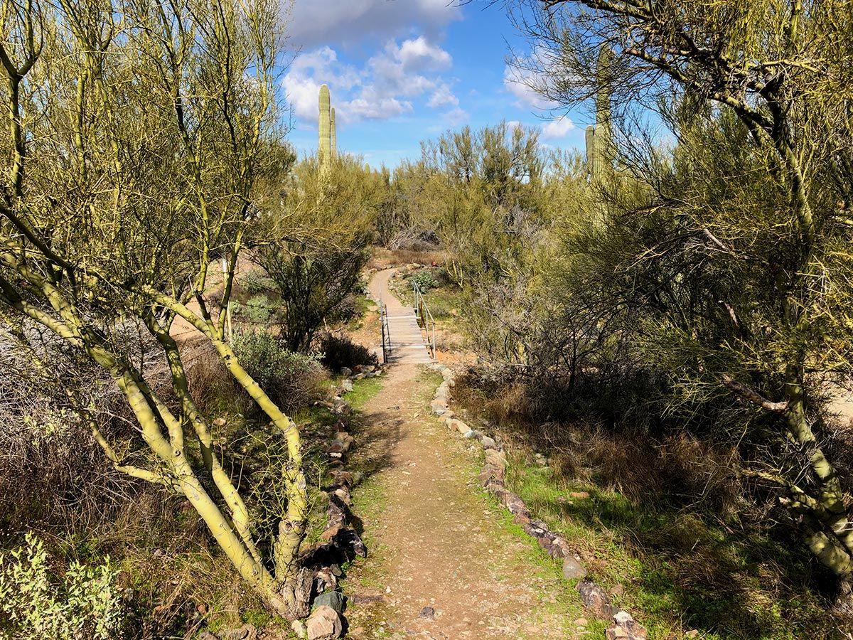 Shangri La Ranch-Hiking