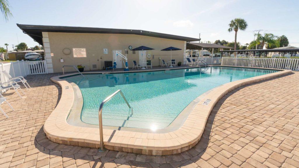 Ellenton Gardens-pool