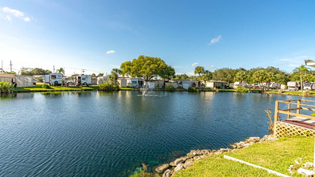 Ellenton Gardens-lake