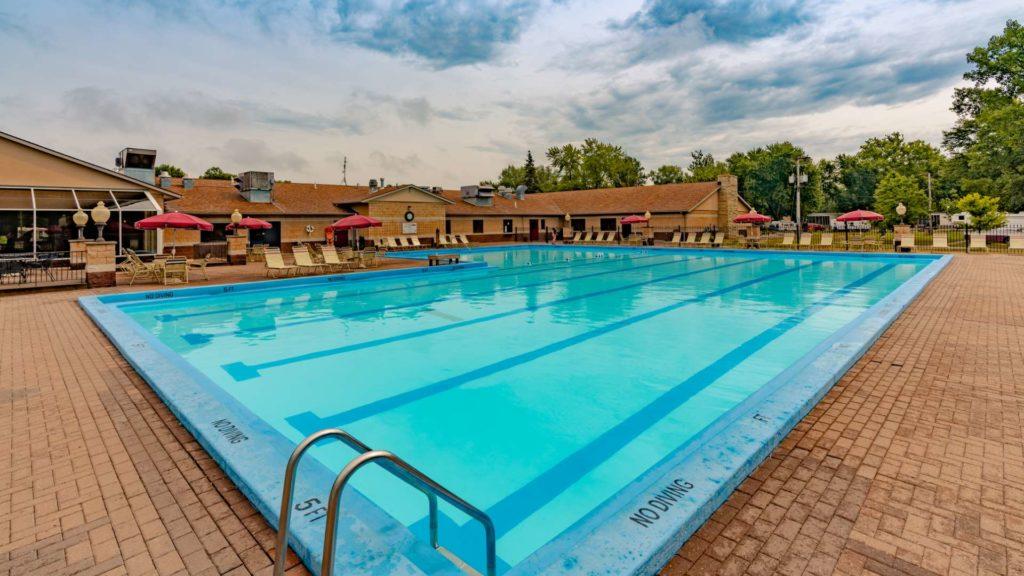Sunset Lakes Resort Pool
